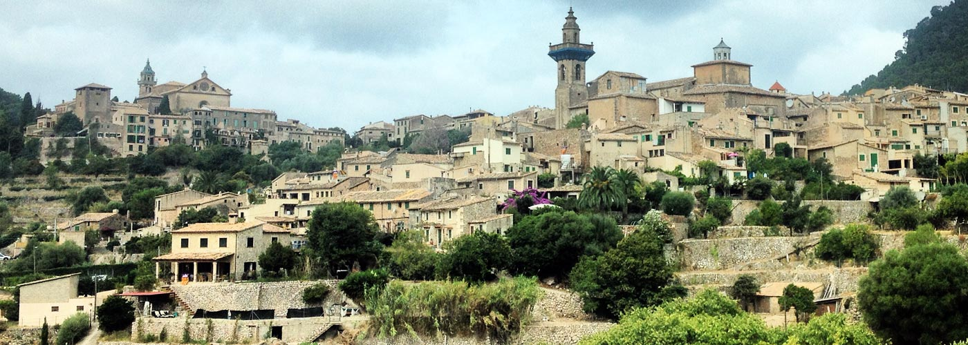 panoramic view of Valldemossa